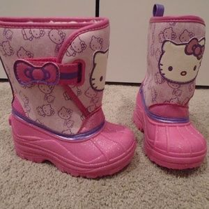 Hello Kitty Shoes   Bnwot Snowboots